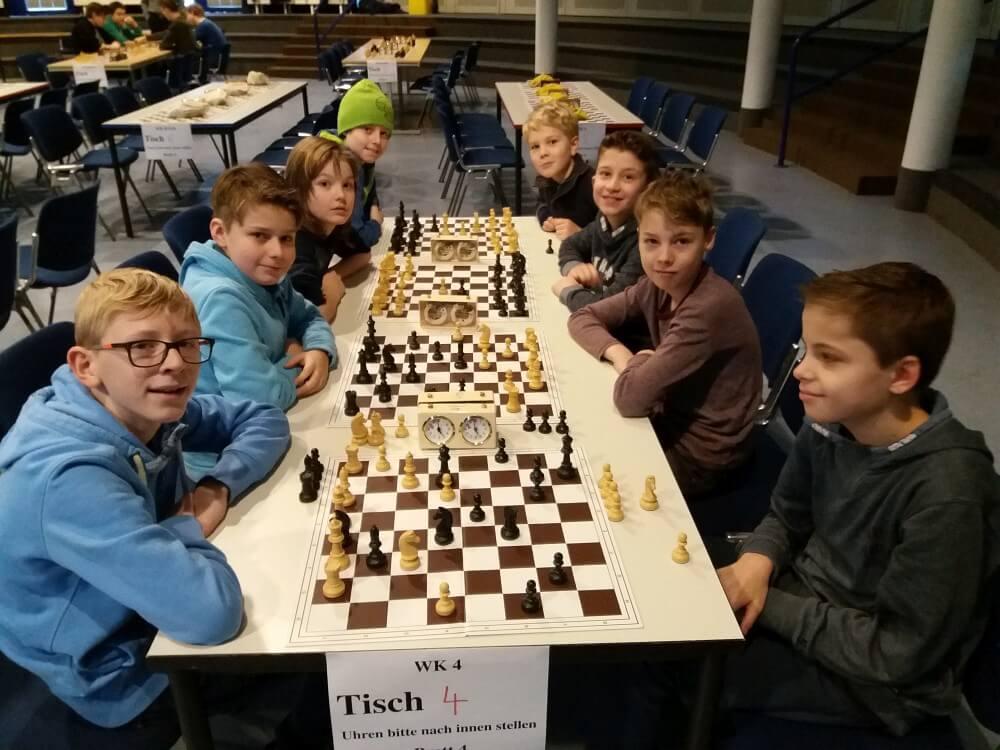 Schul-Schach-Turnier 2017 - Vorrunde am AEG - 1. und 2. Mannschaft