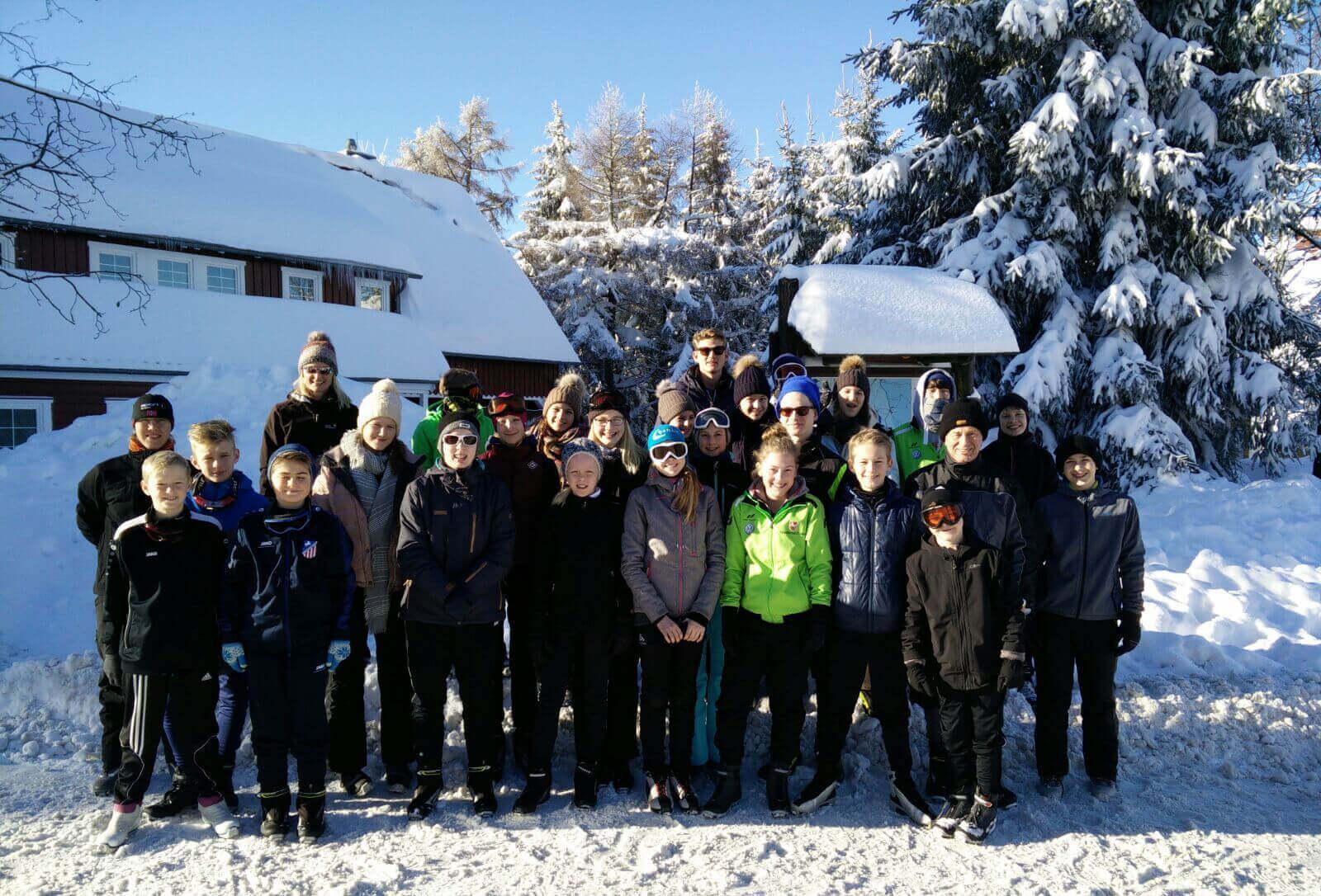 JtfO - Ski-Langlauf - Unsere Teams in wunderschöner Schneelandschaft